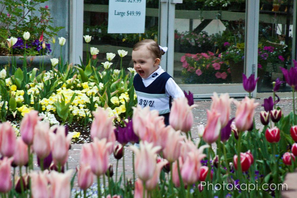 Angie and Analyn: Photos by Photokapi.com