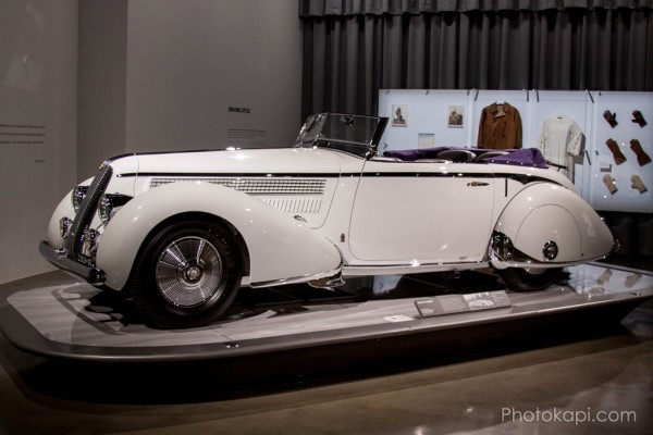 Petersen Auto Museum : Photography by Photokapi.com