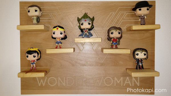 Wonder Woman Display Shelf | Photokapi.com